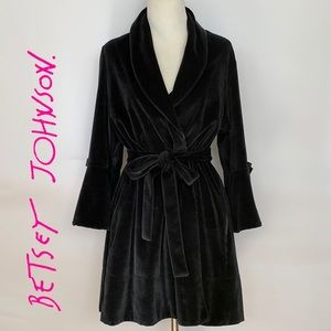 Betsey Johnson Intimates Black Velour Robe